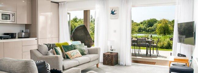 Somerford Keynes Town House Sleeps 4 - 5893116, vacation rental in Kemble