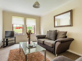 Lovely 2-Bed Apartment in Aberdeen - Perfect!