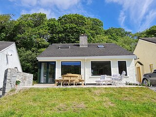 123 Clifden Glen - Four bedroom detached property located in the holiday village