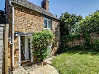 Stunning 2BR Cotswold Cottage in Adderbury