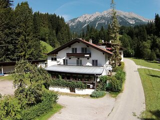 Hill-view Apartment in Scheffau with Terracer.