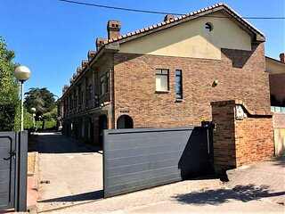 Lovely  Holiday Home in Loredo a stonethrow from the beach & communitary pool!