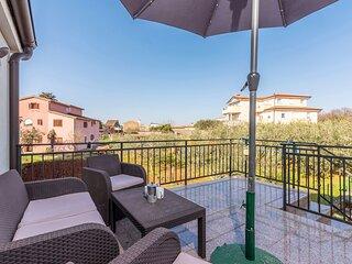 Modern and comfortable apartment near the beach