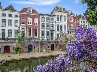 Dainty Apartment in Utrecht with Whirlpool and Netflix