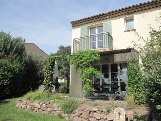 Provencal holiday home with dishwasher not far from Fréjus