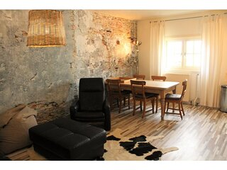 Attractive apartment, at riding school, 1000 meters from the beach