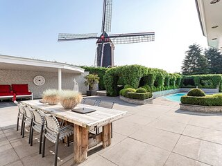 Detached villa in Moergestel with swimming pool and jacuzzi