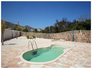 Stunning Holiday Home in Favignana with Solarium