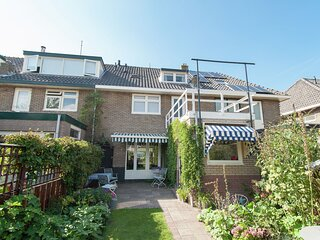 Deluxe Holiday Home in Castricum with Swimming Pool