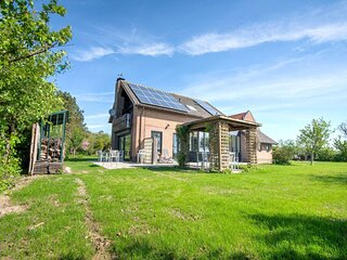 Beautiful villa in Cadzand surrounded by nature, 200 m from the sea and near Kno