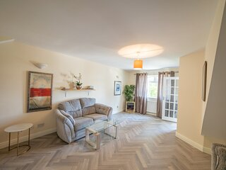 Captivating 2-Bed House in Brittas Bay