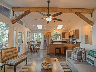 Norwood Lodge; Modern Comfort with Game Room, Hot Tub and Firepit