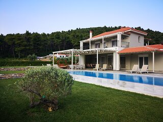 Villa Aelia by Kardous