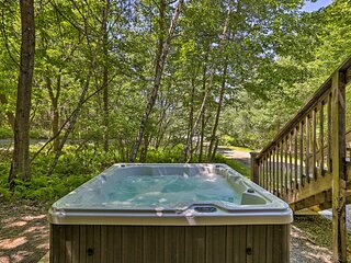 Poconos Getaway with Hot Tub, Game Room and More!