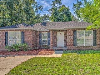 NEW! Cozy Pensacola Home w/ Yard: 10 Mi to Dtwn!