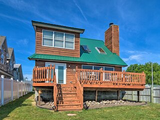 NEW! Authentic Cottage Retreat on Houghton Lake!