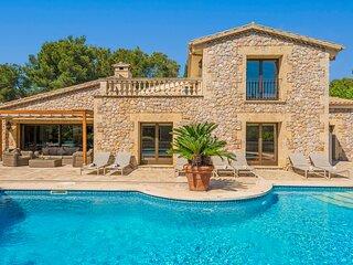 Casa del Pinaret. Luxury beach villa in Puerto Pollensa. 6 bedrooms 12 people.
