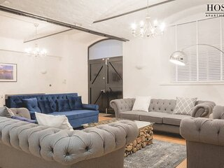 Ultra-Luxury One of a Kind Apt. Super Central