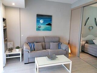 La separación salón/dormitorio son paneles móviles