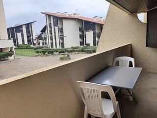 DOUC 57 - AU COEUR DE LA STATION ET CALME, PLACE DE PARKING PRIVATIVE