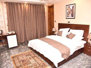Tashreefaat Guest House - in the Heart of Islamabad
