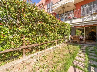 Nice home in Arenzano with Outdoor swimming pool, WiFi and 2 Bedrooms (ILL822)
