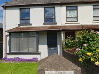 Cork City 4 Bed  sleeps 8 Private Parking