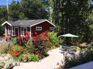 AMAZING cottage! Perfectly located in Santa Rosa