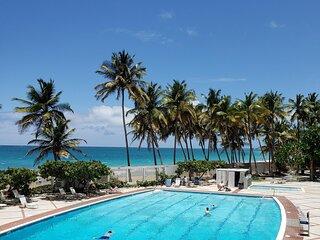 Ocean Breeze POOLSIDE Studio Cabana apartment BEACH ACCESS
