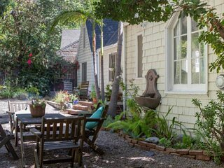 NEW LISTING! West Hollywood Laurel Canyon English Cottage + Private  Spacious Ga
