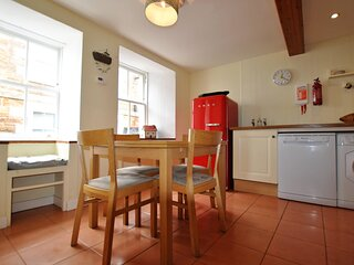 Heron Cottage- traditional fisherman's cottage by the sea