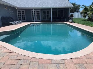 Endless Summer - 3 king size beds, private pool, pet friendly