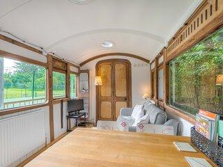 Railway carriage sleeps 2 adults 2 children