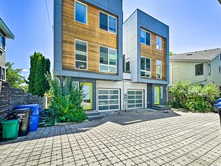 NEW! Modern Seattle Townhome w/ Rooftop Deck!