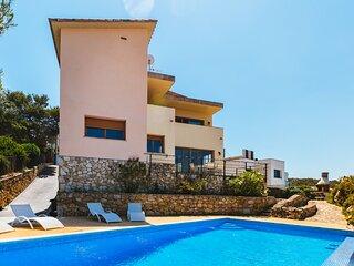 Villa con piscina en Olivella, Garraf