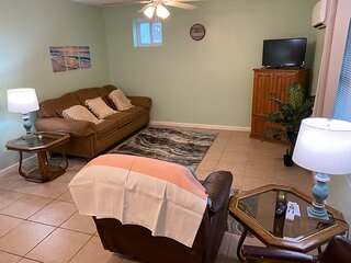1BR Apartment Central to Everything
