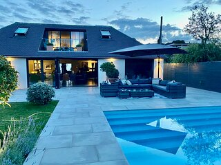 The Design House. 4 bedrooms. Heated pool