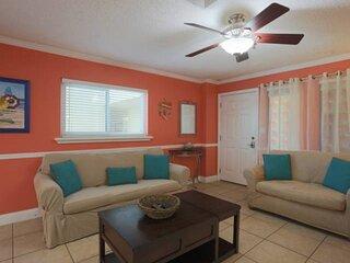 Fantastic Beachfront Resort. Extra Roomy & Comfortable!
