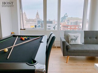 Great Views, City Centre, 2Bed, Parking!