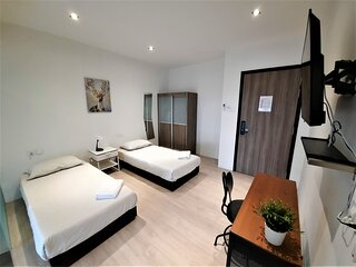 Studio Twin near to Outram Park and Chinatown