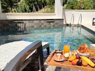 Villa avec Piscine et Jardin Privé au calme . Plage et Centre ville à 800 m