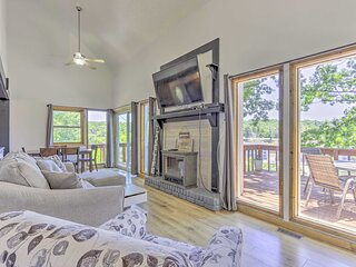 NEW! Stylish Eldon Home w/ Grill: 1 Mile to Lake!