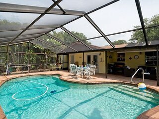 Tropical Paradise- Private home with a screened in pool. Pet friendly!