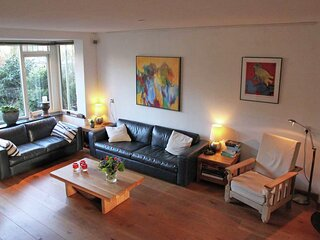 Spacious Holiday Home in Egmond aan den Hoef with Garden
