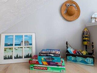 New! Odysea: Cool Condo: Walk to Beach (4min), Boardwalk (2min), AC, 2 Garages