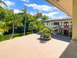 Aloha AKU Ohana Suite - 2 BR/2Bath, LR w/Full Kit, AC, WiFi, large private lanai