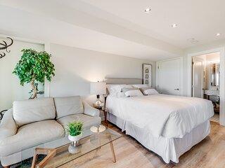 Sea-esta Suite with Ocean Views in Brentwood Bay