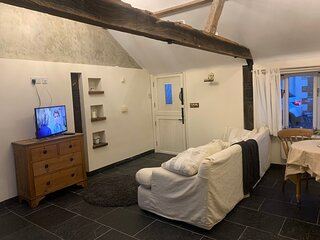 Beautiful 1-Bed House in Gloucestershire