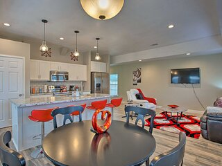 NEW! Modern Fort Worth Retreat ~ 5 Miles to Dtwn!