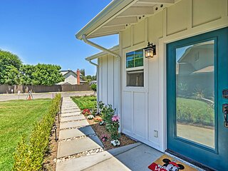 NEW! Bright Cottage Unit, 8 Miles to Disneyland!